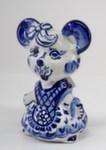 Скульптура «Мышь в фартуке»