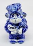 Скульптура «Обезьяна Love»