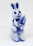Скульптура «Зайка с морковкой» авт. Е. Сухорукова