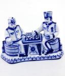 Скульптура «Швейк и капрал с шахматами» авт. Ю. Гаранин