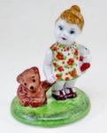 Скульптура «Девочка с игрушкой» цвет авт. М. Тарыгин