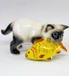 Скульптура «Кот с рыбой» цвет сиам авт. Ю.М.Мухин