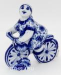 Скульптура «Велосипедистка» авт. Е. Сухорукова
