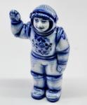 Скульптура «Космонавт» м. авт. А. Ларин