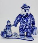Скульптура «Маша и медведь» авт. А. Ларин