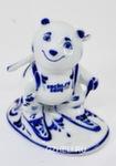 Скульптура «Белый мишка - биатлонист» авт. А. Рыженок